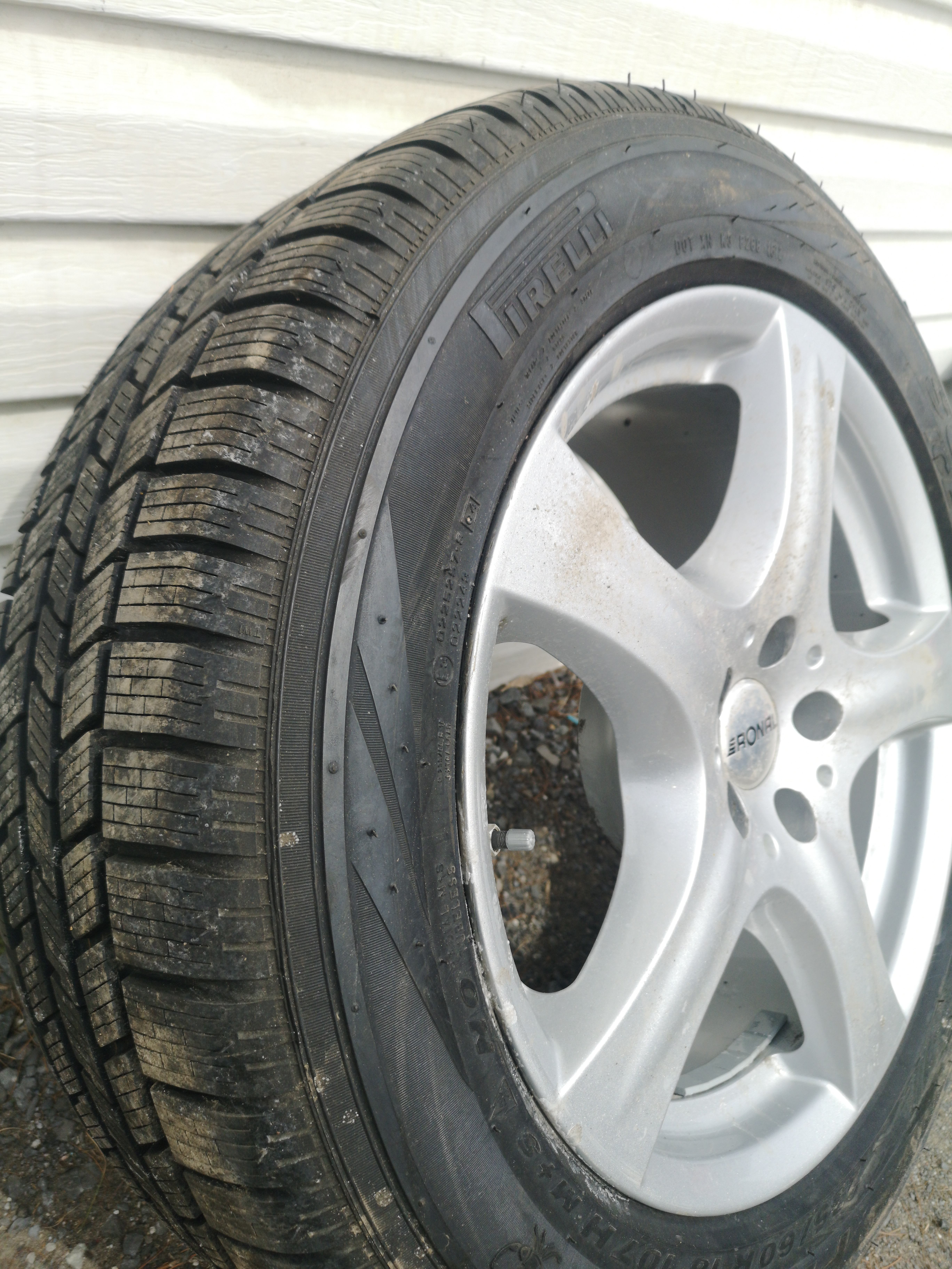 Pirelli Scorpion Ice & Snow 235/60/18