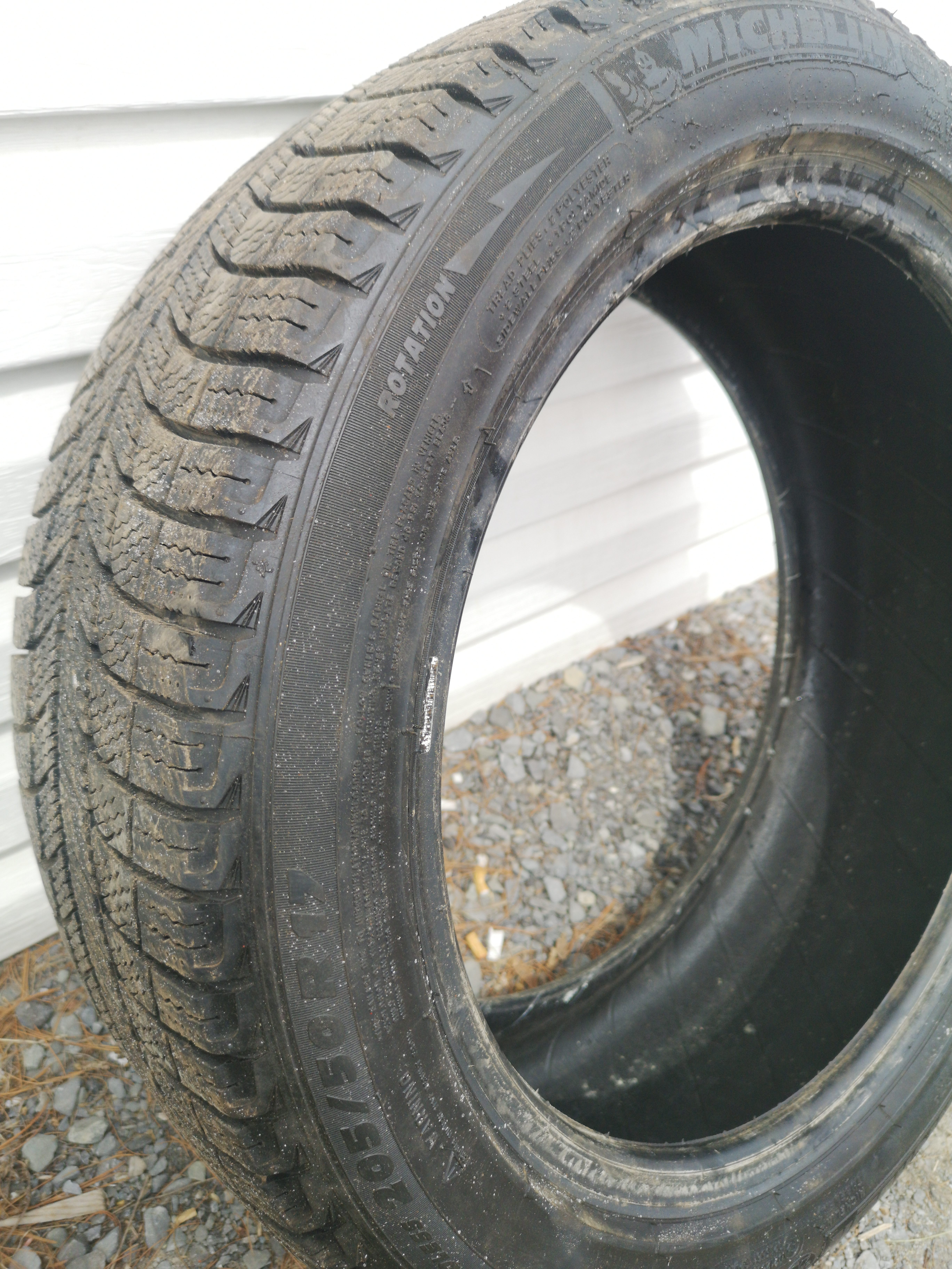 Michelin X-Ice 205/50/R17