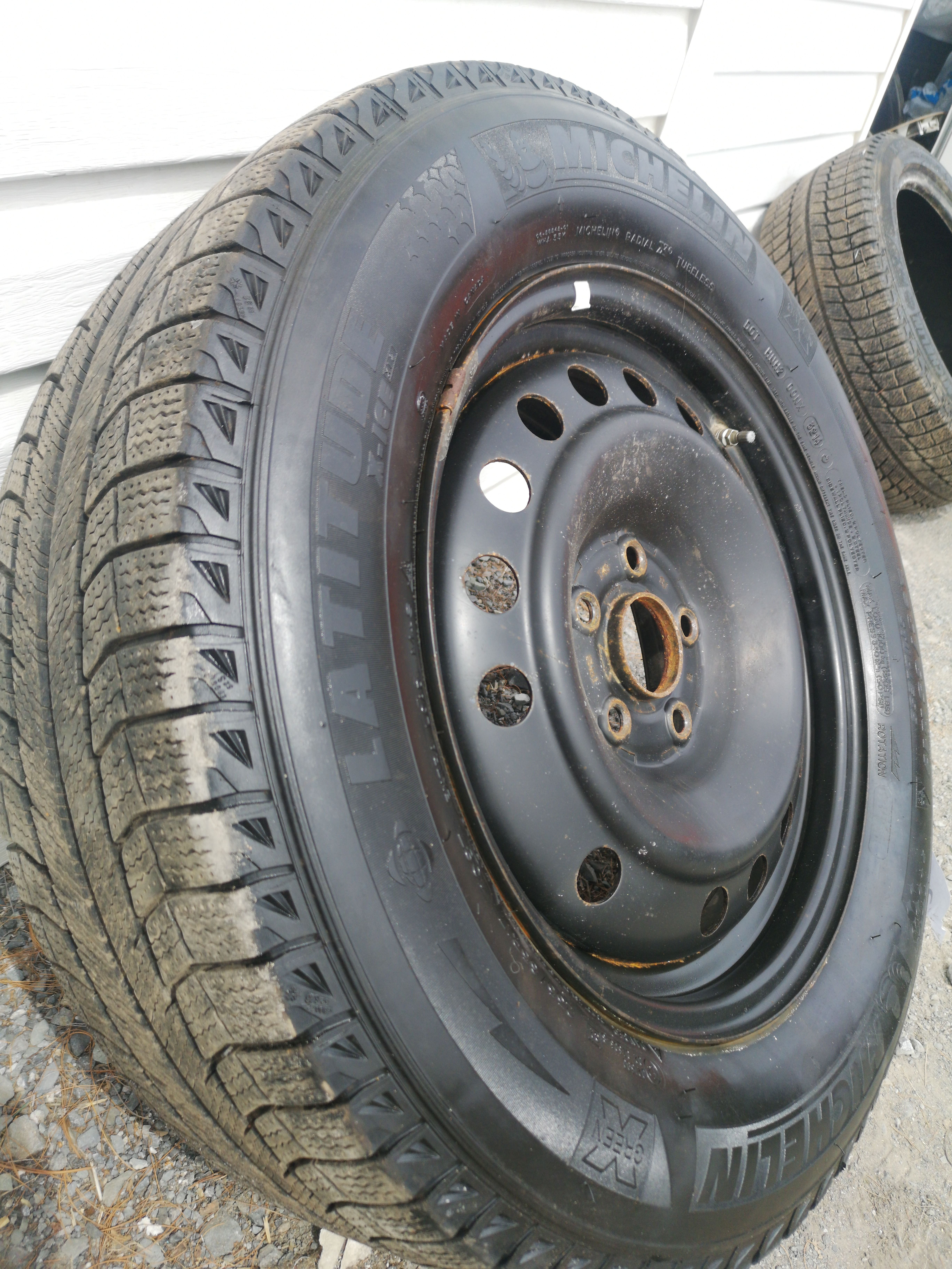 Michelin Latitude X-Ice 235/65/R17